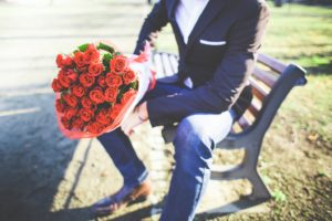 man-with-a-bouquet-of-roses-picjumbo-com (1024x683)